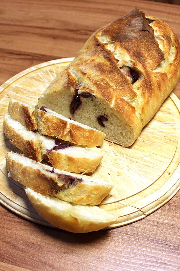 Pão caseiro de azeitona