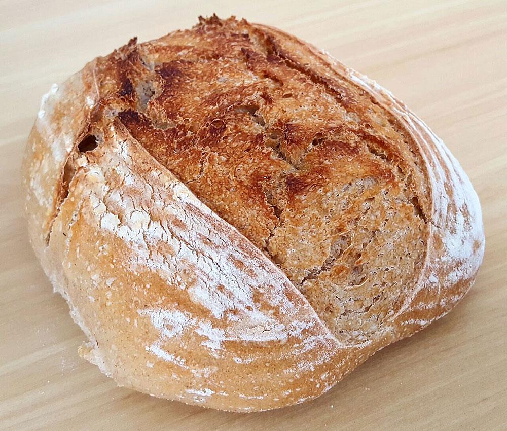 Filão de pão com a textura de um banneton