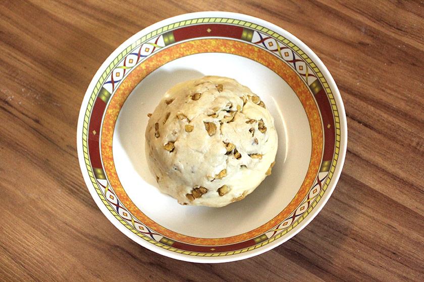 Pão de Nozes com Manteiga: Primeira Fermentação