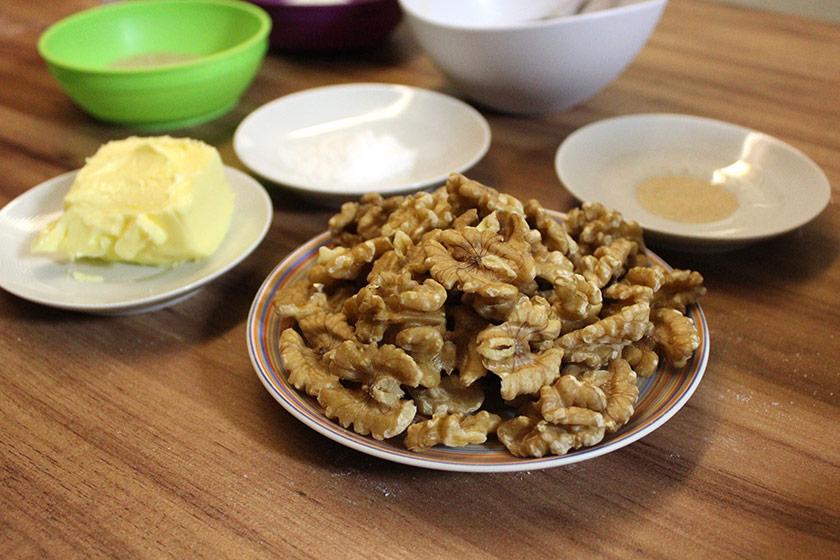 Pão de Nozes com Manteiga: Ingredientes