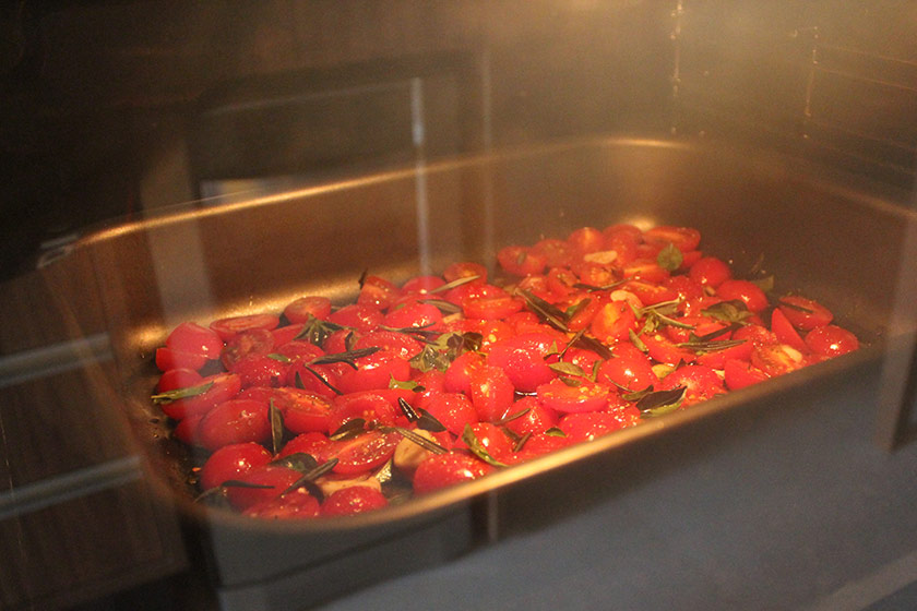 Tomate Confit: Dentro do forno
