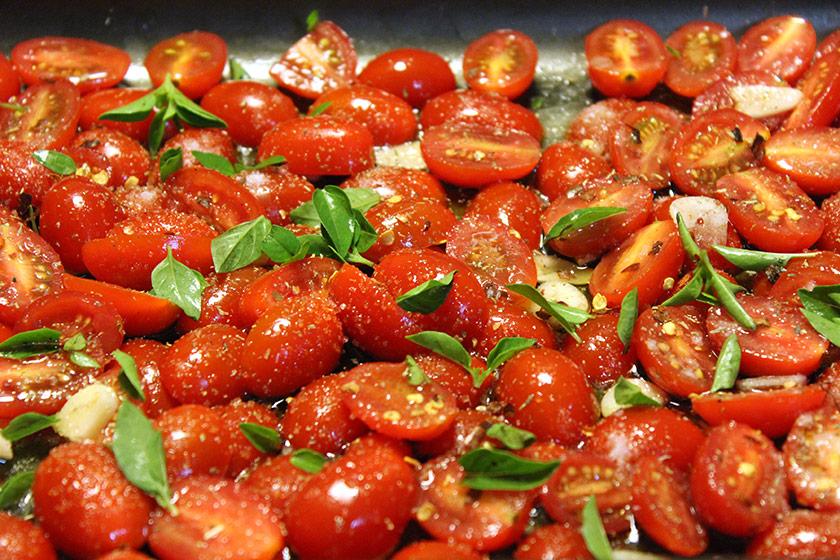 Tomate Confit: Antes de entrar no forno
