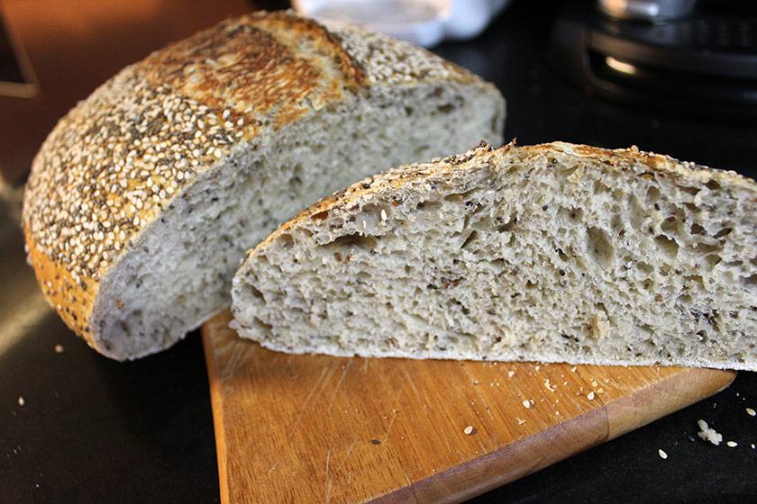 Pão Multigrãos - Fatiado ao meio