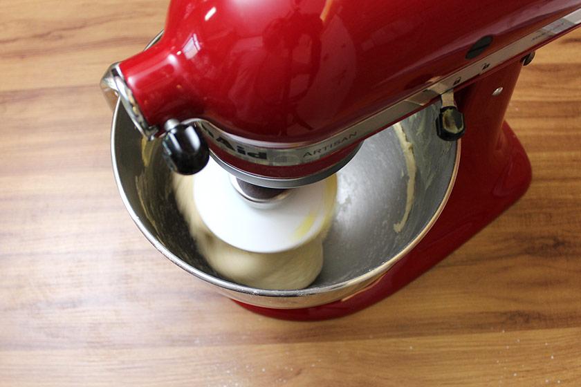 Receita de Croissant: Misturando os ingredientes