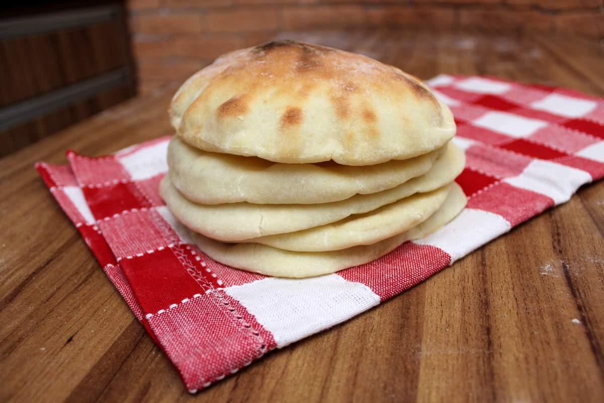 Pita (Pão Sírio ou Pão Árabe) - Amo Pão Caseiro
