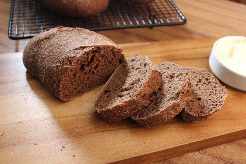 Pão Australiano cortado em fatias