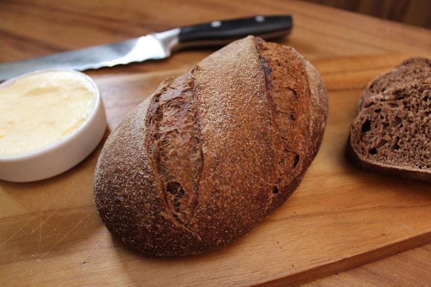 Pão Australiano com Manteiga Aerada