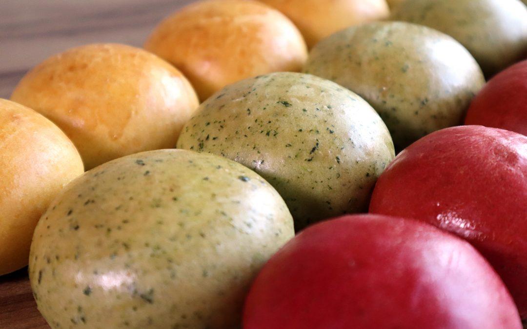 Pães Coloridos com Legumes